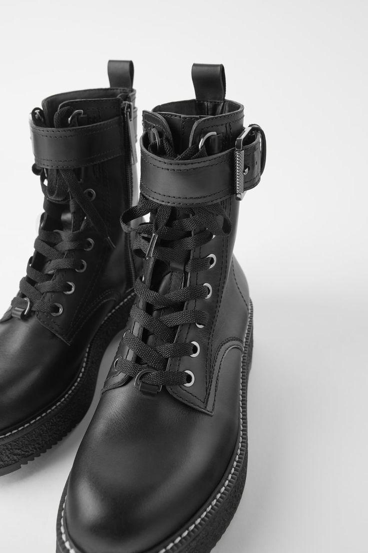 FLAT LEATHER BIKER ANKLE BOOTS WITH BUCKLE Leather boots