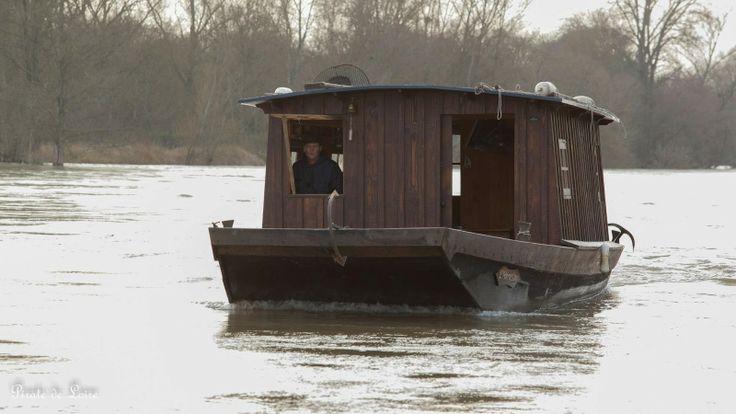 Loire Menuiserie Toue cabanée L'Harassay