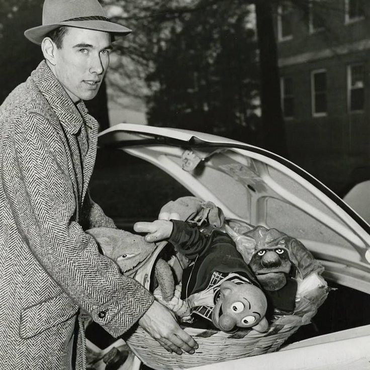 Very Young Jim Henson Beardless And With His Quot Sam And