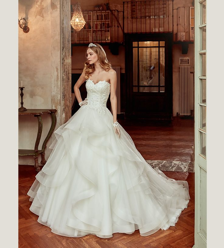 Fashion bride 2017 - Collection NICOLE.  NIAB17112. Wedding Dress Nicole.