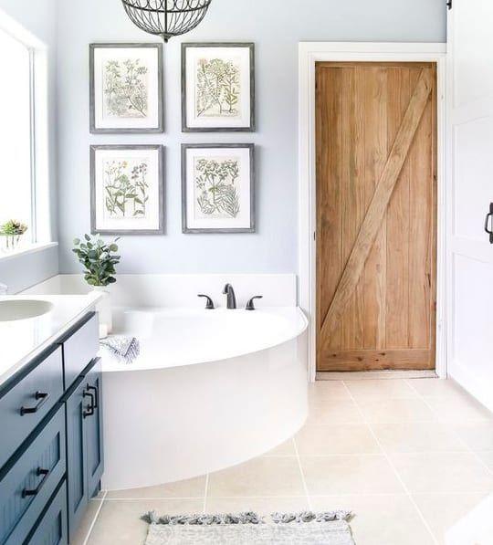 MOTIVOS BOTÁNICOS  Un cuarto de baño natural no se olvida de piezas decorativas tan chic como los cuadros con motivos botánicos que refrescan el ponen el toque de estilo. Baño natural | Ventas en Westwing