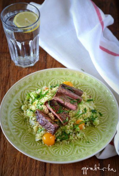 Rostélyos steak Segal Viktor-módra, citromos-petrezselymes kuszkusz salátával