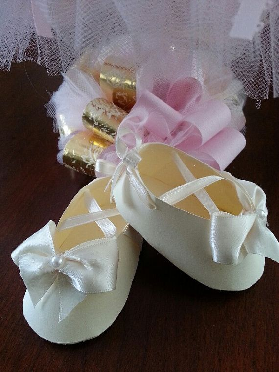 Set Of Ten Cream Ballerina  Shoe Favors With Bows / Christening Shoe Favors / Girl Shoe Favors