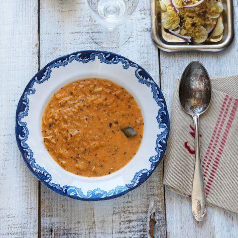 Gör soppmiddagen komplett med en smakrik sallad på hirs, oliver och persiljerötter, som också kan bytas ut mot palsternacka!