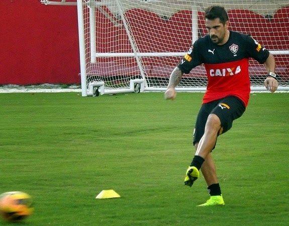 Blog Esportivo do Suíço: Recuperado de lesão no joelho, Escudero volta a treinar no Vitória
