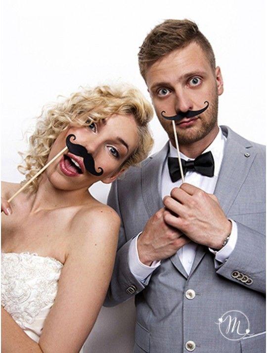 Photo booth - Baffi 6 pezzi. Una cabina per fare le foto come quelle di una volta o un semplice sfondo, con una polaroid o una macchina professionale, l'importante è divertirsi! In #promozione #matrimonio #weddingday #wedding #ricevimento #photo #booth #photobooth #fun #party #baffi