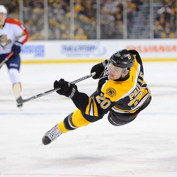 4/21/23 Daniel Paille suspended in mid air at home against the FL Panthers...Paille can flylle...