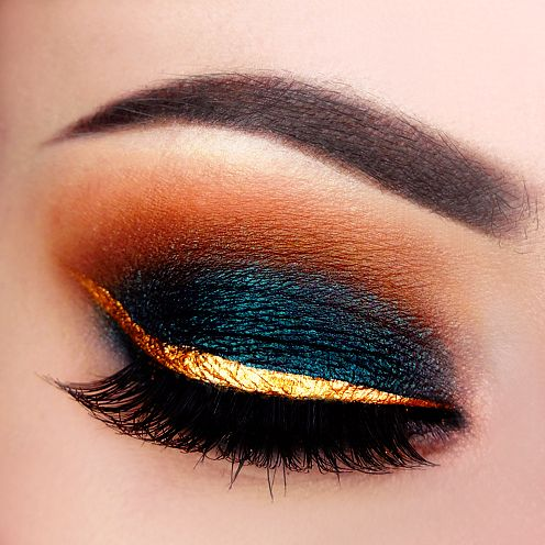 mug gold liner, dark blue/green eyeshadow