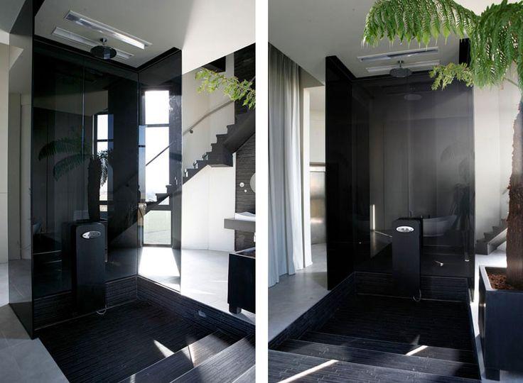 Дом - водонапорная башня. В 2007 году студия дизайна «Бхам» переделала бывшую водонапорную башню в жилой дом. (Bham Design Studio)