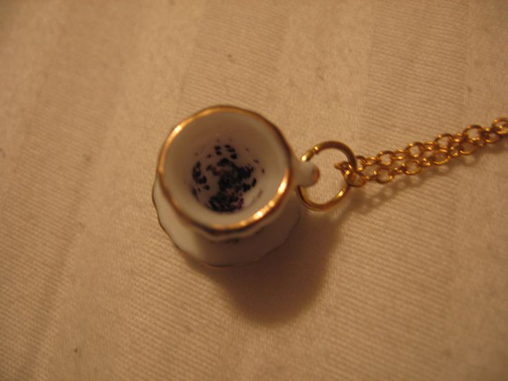 The Grim Reading Tea Leaves Teacup Necklace - Harry Potter & The Prisoner Of Azkaban Inspired Geekery