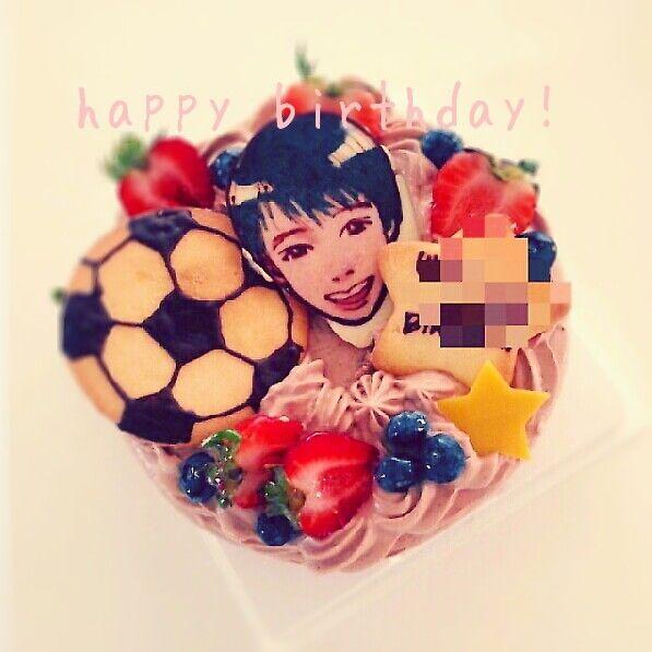 サッカーボールと似顔絵のバースデーケーキ | ペコリ by Ameba - 手作り料理写真と簡単レシピでつながるコミュニティ -