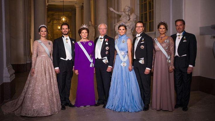Swedish Royals❤ (@swedens.royal.family) Instagram: «Princess Sofia, Prince Catl Philip, Queen Silvia, King Carl Gustaf, Crown Princess Victoria, Prince…»