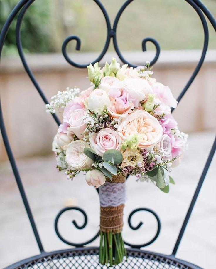 Huhuuuuu ihr Lieben 🎀 Heute zeige ich Euch einen romantisch fast kompakt gebu… – Hochzeit