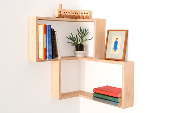 Really simple corner shelf (maybe in the bedroom above the bed?)