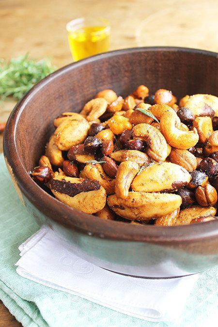Nuts picantes defumadas | 11 ideias de lanchinhos saudáveis fáceis de fazer