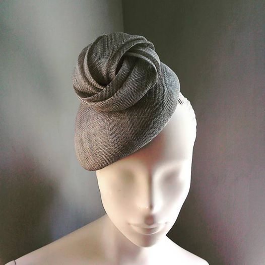 Grey Sinamay Knot Cocktail Hat BY KAREN GERAGHTY £97 #millinery #hatacademy