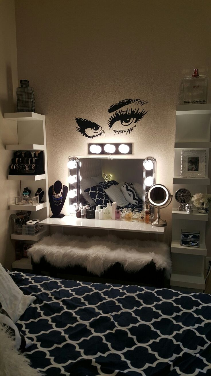 Old Hollywood Vanity Lights : 1000+ ideas about Hollywood Vanity Mirror on Pinterest Mirror With Lights, Old Hollywood ...