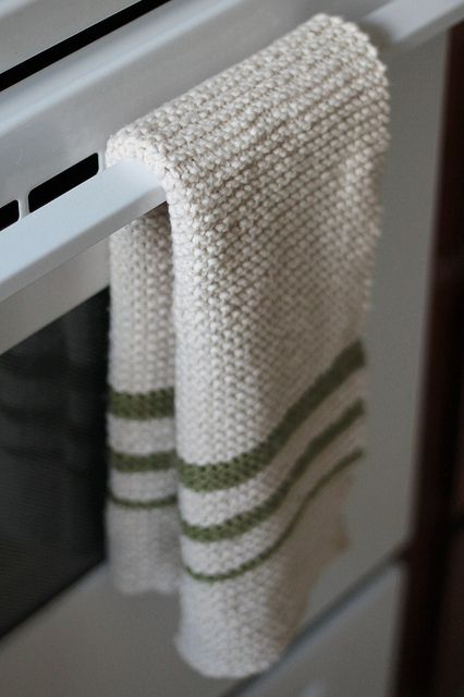 Hand Knit Dish Towel. I really like this look, think I might do some for our new place!