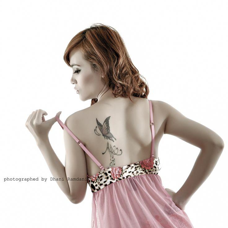 backpose tattoo asian girl