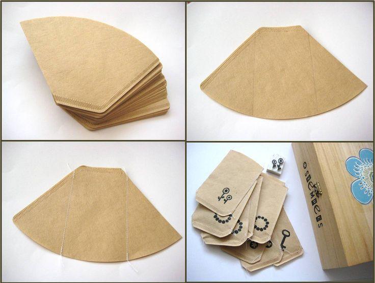 By MiekK: DIY - CadeauZakjes van KoffieFilters Ook een goede manier om je zelf geoogste zaadjes in te doen en cadeau te doen.