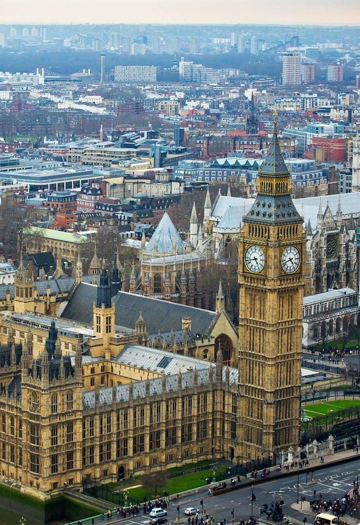Palace of Westminster (Houses of Parliament) and Big Ben clock tower, London, England   See why London is a Marvelous Tourist Destination