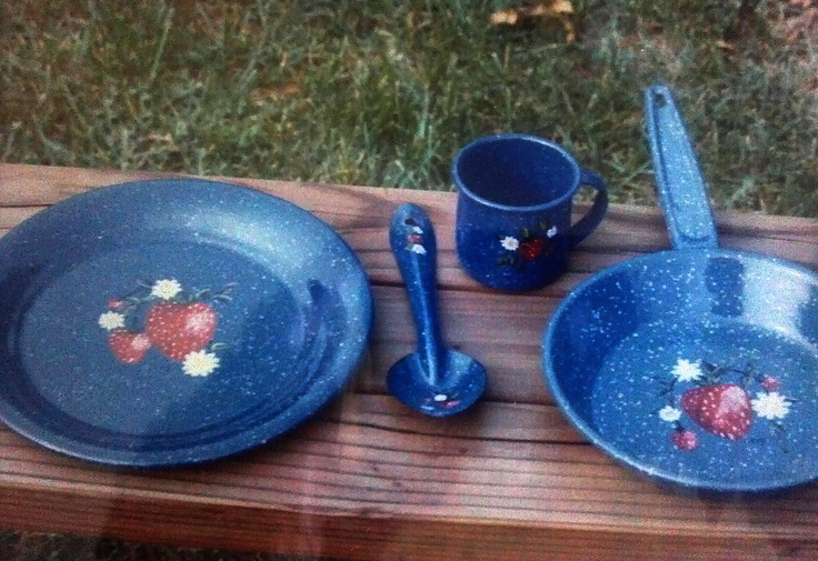 Blue Graniteware with painted strawberries. http://greaseandgrace.com/