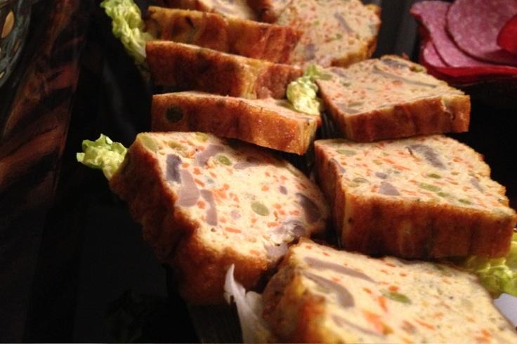 """La recette: Meguina aux légumes, via le site """"Les Recettes de ma Mère"""" (appero,cuisine algerienne,entrée,légumes,omelette,recette).  http://lesrecettesdemamere.net/recette/meguina-aux-legumes/"""