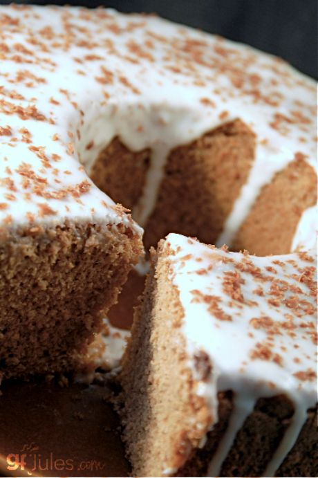 This Irish twist on the Angel Food Cake produces a slightly chocolatey, flavorful cake that is perfect for any party or special dessert occasion, but will certainly make St. Patrick's Day tasty! gluten free & dairy free Irish angel food cake |gfJules.com