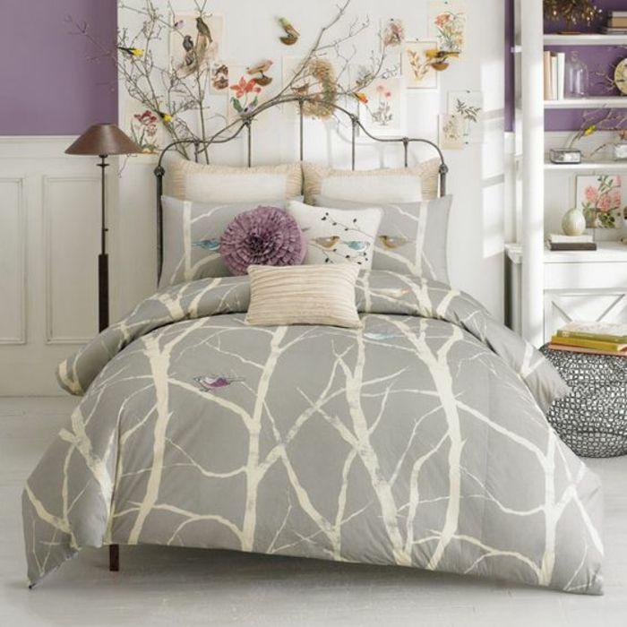 Chambre gris ou chambre mauve idee peinture chambre arbre avec oiseaux déco beau lit en fer