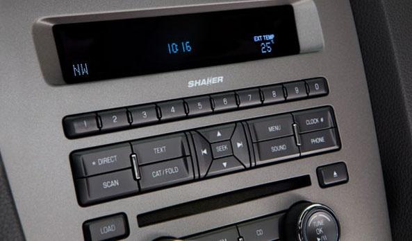 Relájate y disfruta del manejo con la tecnología de punta que Ford Mustang te ofrece como SYNC®, nuestro sistema de comunicación y entretenimiento que te permite controlar tu teléfono o reproductor MP3 vía comandos de voz, así no tienes por que quitar las manos del volante. Manténte conectado con tu mundo desde y por medio de tu coche. #Ford #Mustang2013