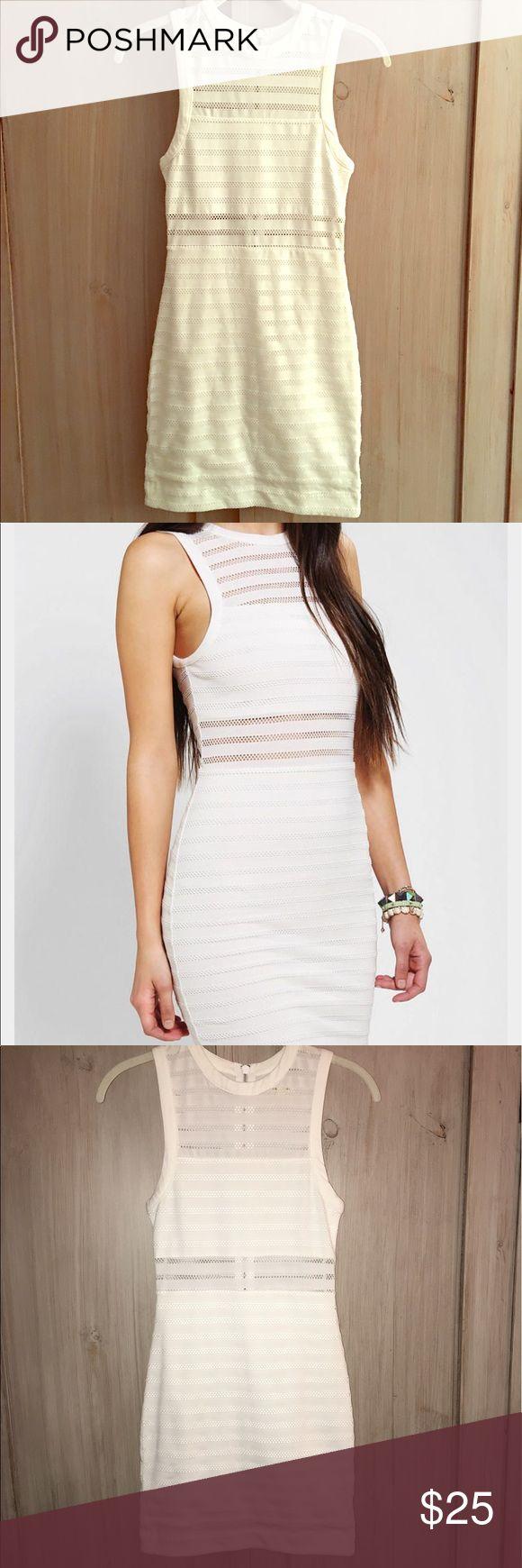 Silence and Noise Illusion Stripe Bodycon Dress XS Urban Outfitters Silence and Noise Illusion Stripe Bodycon Dress in white size xs. Urban Outfitters Dresses Mini