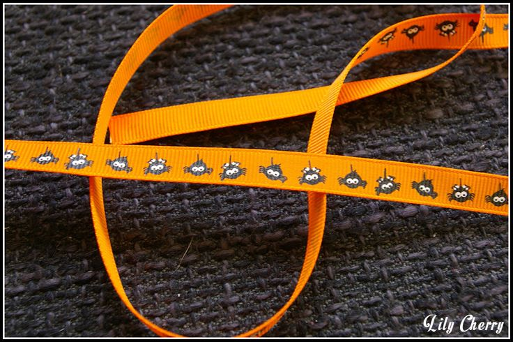 1 mètre de Ruban motif araignée orange halloween : Rubans, biais pour bijoux par lilycherry