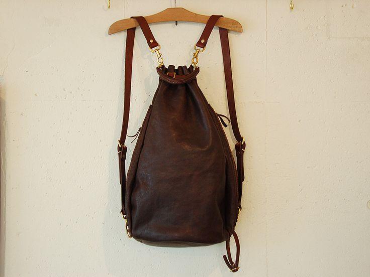 気球の形をソフト革で表現したイタリア革のバルーンリュック「革鞄のHERZ公式通販」