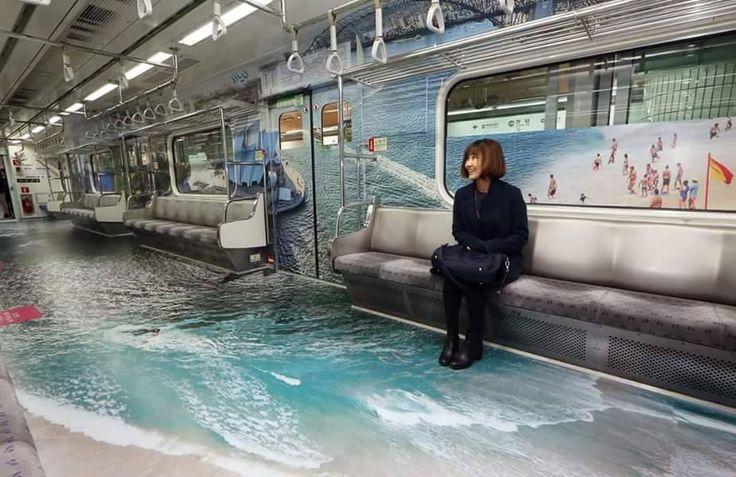 〈 Urbain - Le Métro de Séoul en mode Printemps 〉 C'est le début de la semaine alors commençons-la en douceur ! Cela vous dit un peu de poésie ? Et bien les coréens ont tout compris ! Le métro de Séoul s'est habillé de paysages fleuris et colorés, traversés par des rivières transparentes afin de fêter l'arrivée du Printemps. Suite de l'article sur notre page Facebook. #YuYu ┄┄┄┄┄┄┄ www.twitter.com/HanllyU Sources & Crédits : Mélyssa Dakiniten FB Page/Girl's generation France FB Page