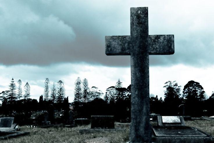 """Breng Jezus in de dode gebieden van jouw leven - http://bit.ly/1gSOP5B  De essentie van Pasen is vrijheid. Gods plan voor jouw leven is dat je vrij bent! Gisteren zagen we dat de eerste stap om vrij te worden is dat je Jezus openlijk erkent als Redder en Koning. Lees nu ook het tweede bericht van de drieluik """"Breek uit je gevangenis"""" en zet de tweede stap naar volle vrijheid!  Lees nu het bericht: http://bit.ly/1gSOP5B"""