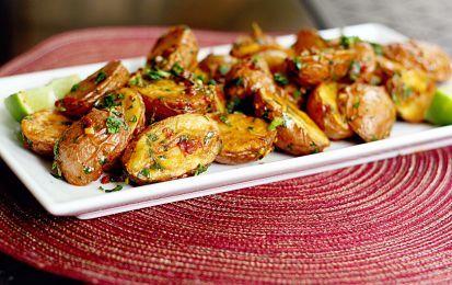 Contorni con le patate: 10 ricette veloci e sfiziose - Con le patate potete realizzare dei contorni veloci e sfiziosi con cui accompagnare secondi piatti a base di carne e pesce. Ecco quindi 10 ricette semplici e veloci per realizzare dei contorni con le patate che accontenteranno tutti i gusti.