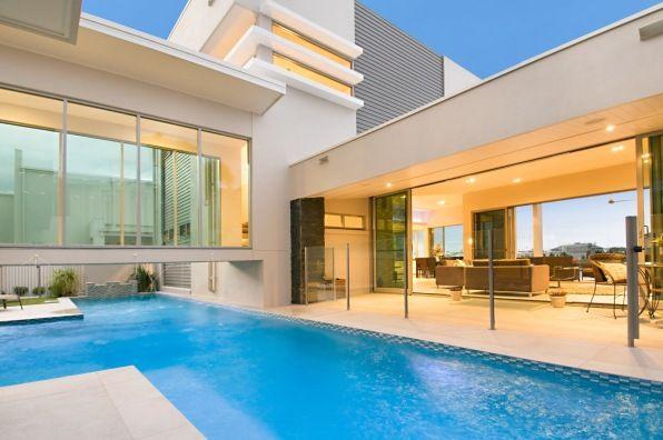 Sunshine Coast, NSW, Australia • Huge luxury waterfront home in Sunshine Coast • VIEW THIS HOME  ►  https://www.homeexchange.com/en/listing/111119/
