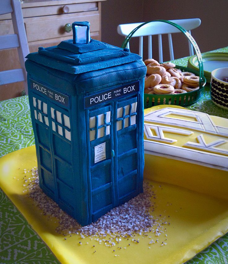 Tardis cake with a working lamp! #tardis #cake