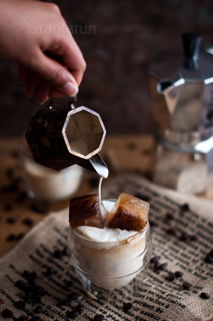 Iced Coffee Cubes //