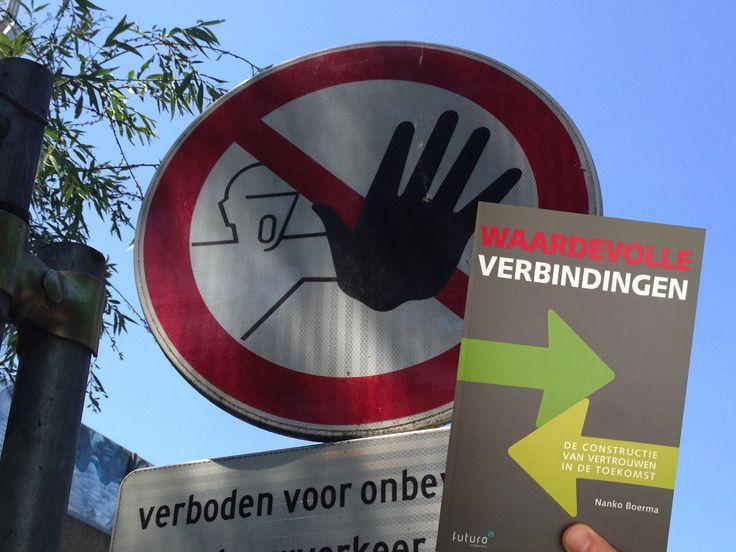 Stop de bureaucratie! Het boek 'Waardevolle verbindingen' van Nanko Boerma geeft de oplossingen.. #nankoboerma #waardevolleverbindingen #futurouitgevers
