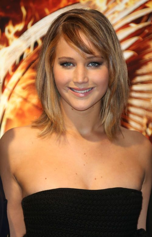 Jennifer Lawrence haircut with bangs