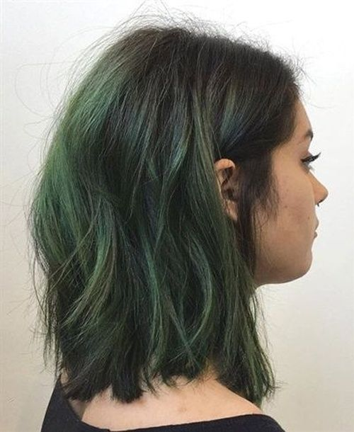 Modish Green Highlights On Shoulder Length Hairstyles That Are Simply Gorgeous Trendy Hairstyles Ombre Hair Color Ombre Hair Hair Color Light Brown