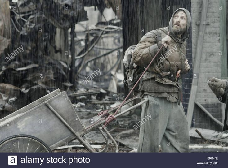 The Road Year : 2009 Director : John Hillcoat Viggo Mortensen, Based Stock Photo, Royalty Free Image: 29134046 - Alamy