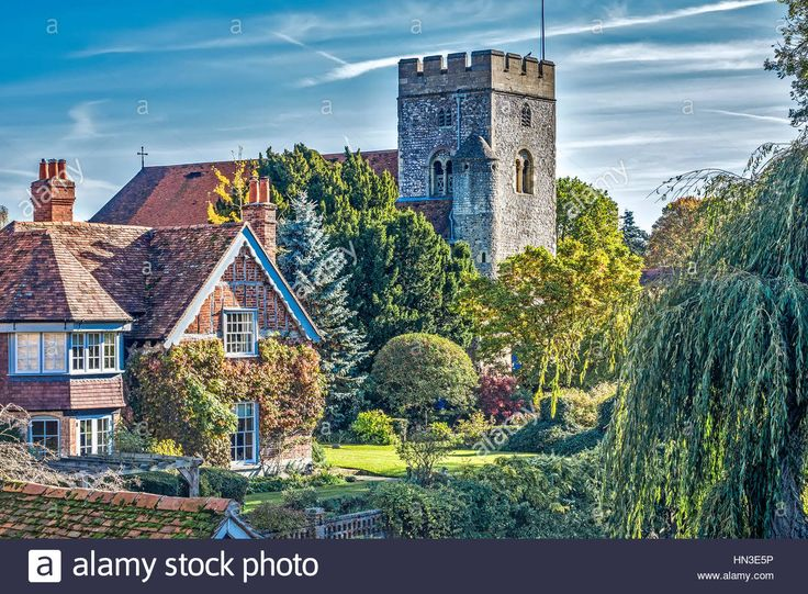 Download this stock image: St Thomas Church Goring Oxfordshire UK - HN3E5P from Alamy's library of millions of high resolution stock photos, illustrations and vectors.