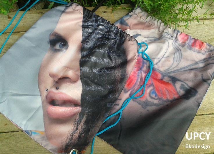 Továbbhasznosított, újrahasznosított reklám zászló molinó tornazsák hátizsák.  Upcycled gymbag - recycled backsack.