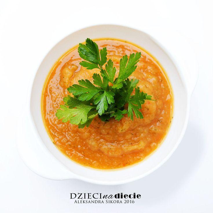 POMIDOROWY KREM Z KAPUSTY: Delikatna konsystencja. Krem z kapusty wyraźnie wzbogacony zapachem i smakiem pomidorków. Idealne na POST Ewy Dąbrowskiej - tzw POST Daniela.