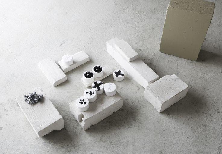 News s/s 2015. Ceramic jar Ylva Skarp. Photo and styling Annaleena Leino.