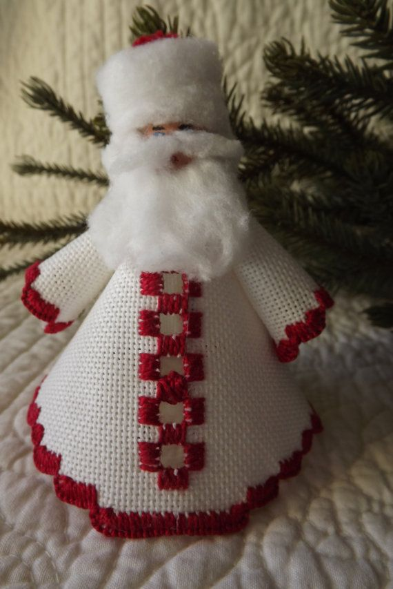 Hardanger Embroidery Santa Holiday Ornament por ThisAndThat4UAndMe
