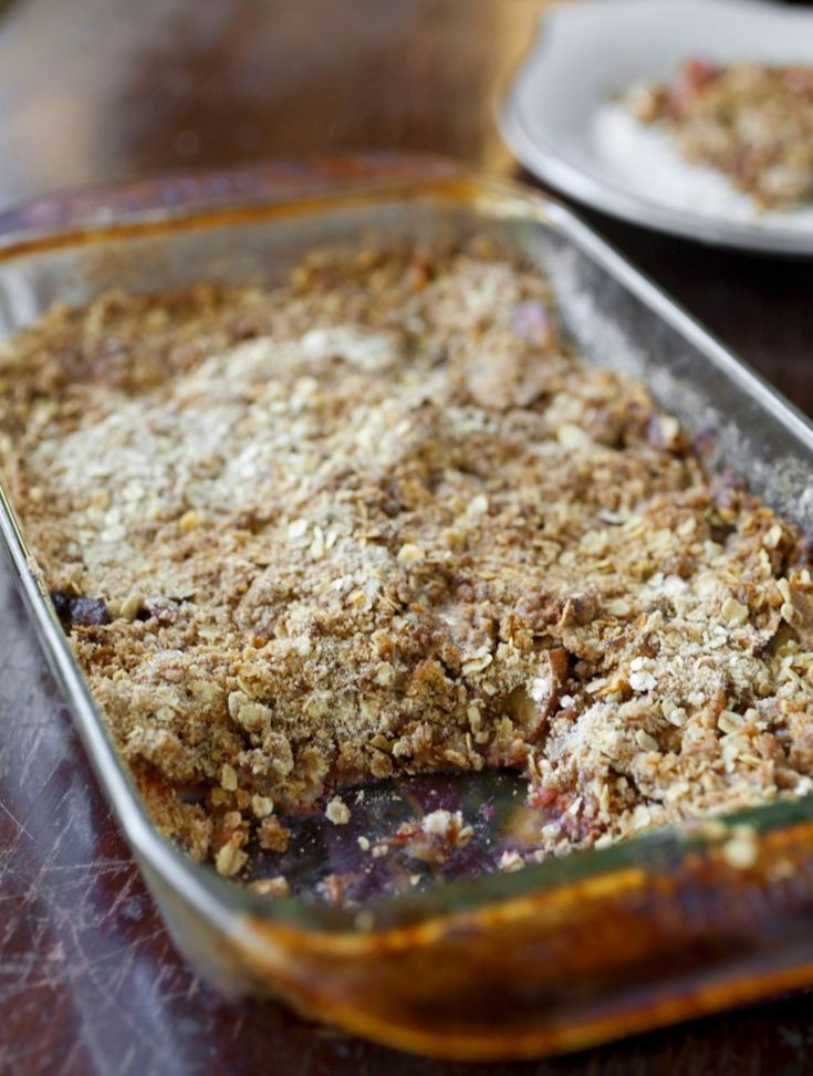 What better way to make a slow transition into fall than with an apple rhubarb crisp? I am a little reluctant to acknowledge the fact that fall is coming so it's nice to bring the two seasons together in a dessert! I saw a lot of recipes for apple rhubarb crisp that called for green apples but I