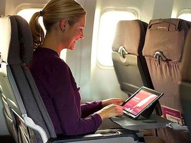 En modo avión: Europa permitirá el uso de celulares durante despegue y aterrizaje ow.ly/qYpw6 (Foto: Internet)